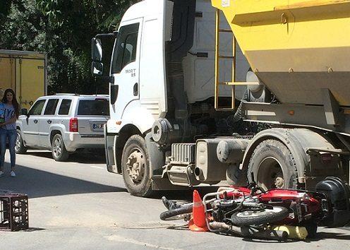 İstanbul'da hafriyat kamyonu dehşeti: Kuryeyi ezip ölümüne yol açan şoför olay yerinden kaçtı!