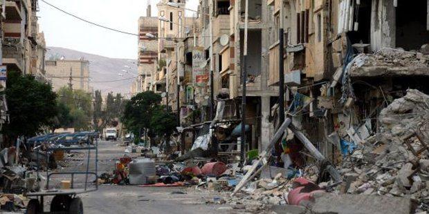 Suriye'de otobüs durağında patlama!