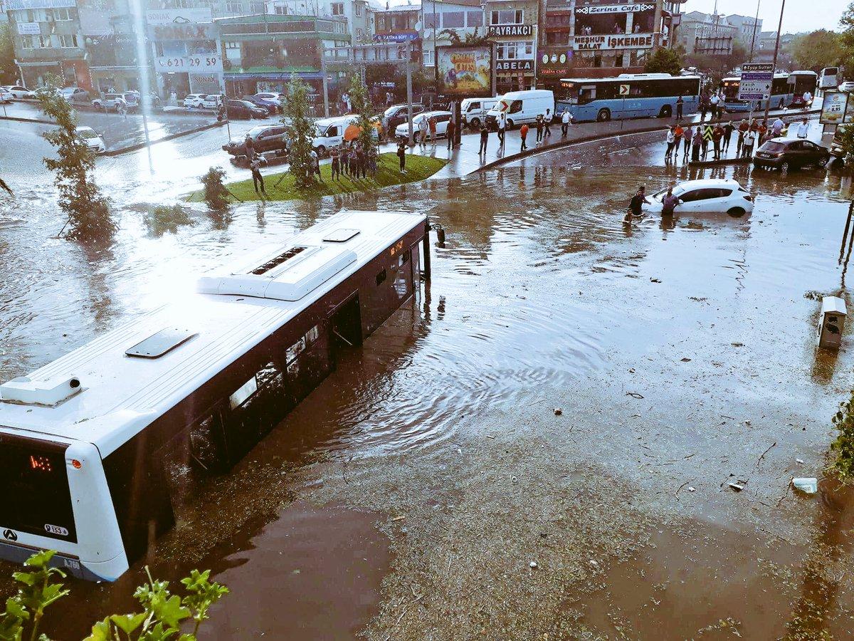İşte İstanbul'da yaşanan yağış ve fırtınanın faturası
