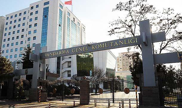 Jandarma Genel Komutanlığı'nda yapılan atama ve emekliliğe sevkler dikkat çekti