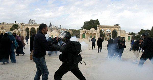 İsrail Mescid-i Aksa'yı yine yasakladı
