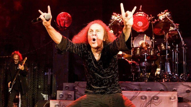 2010 yılında ölen Ronnie James Dio dünya turuna çıkmaya hazırlanıyor