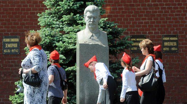Rusya'da Stalin'e sevgi büyüyor