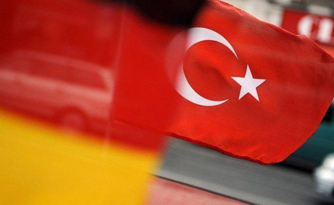 Reuters: Almanya, Türkiye ile savunma projelerini gözden geçirecek