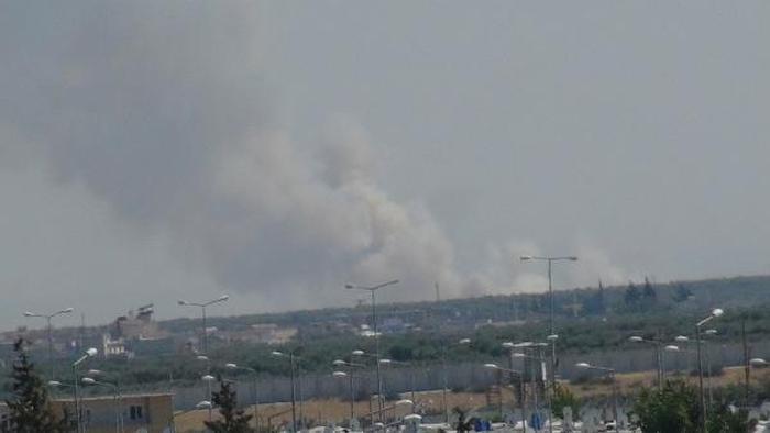 TSK Afrin'deki YPG mevzilerini bombalıyor