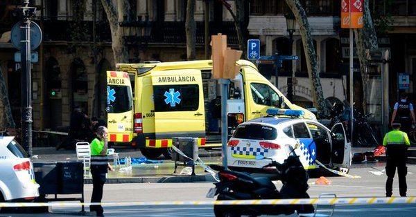 Barcelona'da bir minibüs kalabalığa daldı: Çok sayıda ölü ve yaralı var