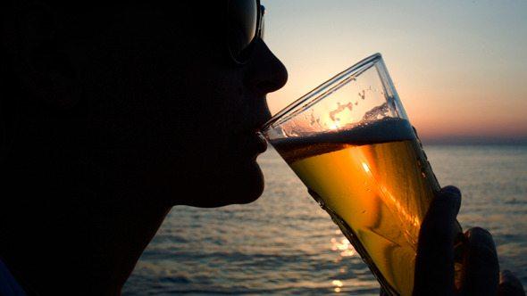 Biranın adı yetiyor: Alkolsüz biraya da zam!