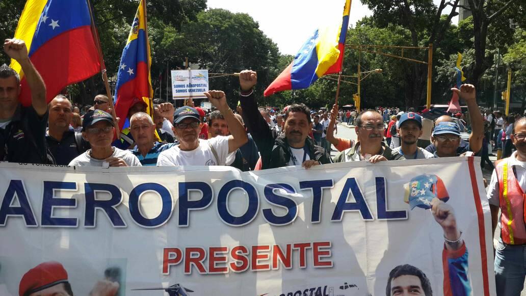 Venezuela halkı bağımsızlığına sahip çıkmak için sokaklara döküldü