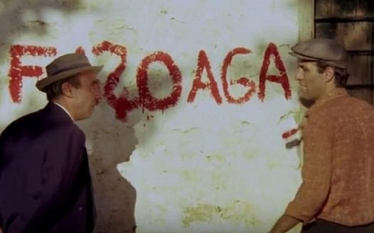 'Kibar Feyzo'da duvar yazısını buzladılar