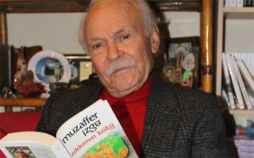 Yazar Muzaffer İzgü hastaneye kaldırıldı