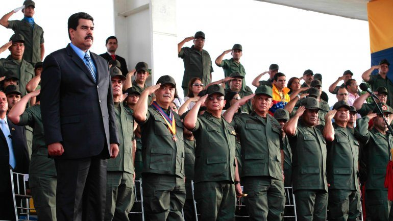 Maduro'dan Venezuela Ordusu'na tatbikat talimatı
