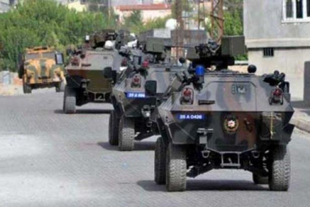 Zırhlı aracın geçişi sırasında patlama: Yaralı polisler var