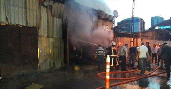 İstanbul'da kurban pazarında yangın