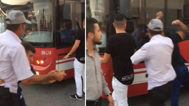 Geç geldiği iddia edilen otobüs şoförüne saldırı: Camı kırdılar, şöförü indirmeye çalıştılar