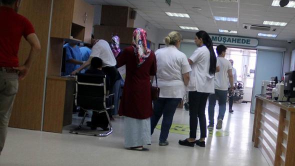 Sağlıkta şiddet durmuyor: Kapıyı içerden kilitleyip doktoru darp etti