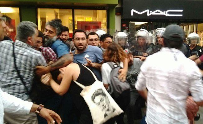 Kadıköy'deki Nuriye ve Semih eylemine polis saldırısı: Gözaltılar var