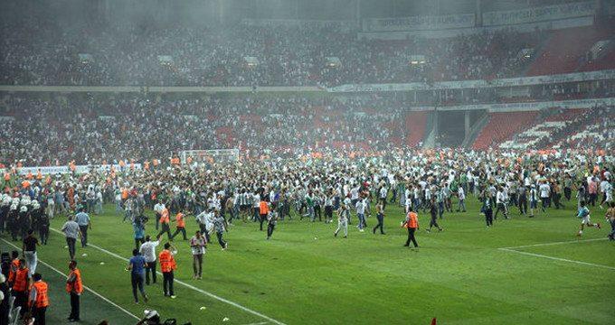 Beşiktaş ve Konyaspor'un cezaları açıklandı