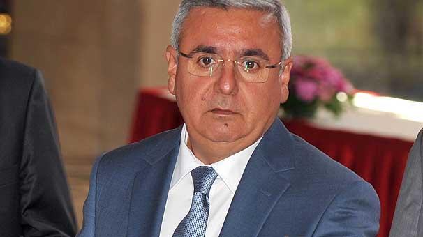 AKP'li Metiner: İktidar hepimizi değiştirdi, garip gurebayı unuttuk