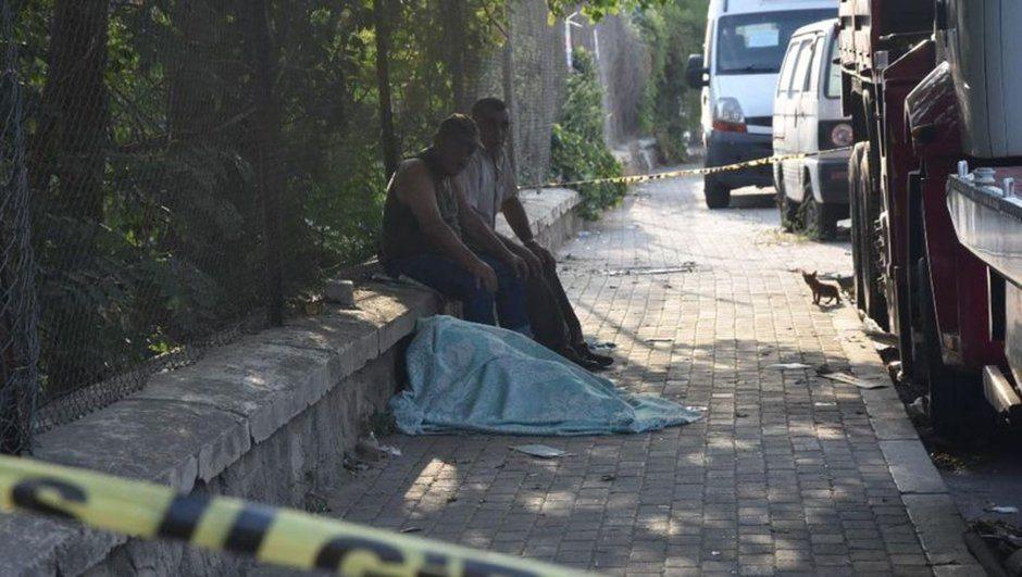Firari er yol kenarında fenalaşıp öldü