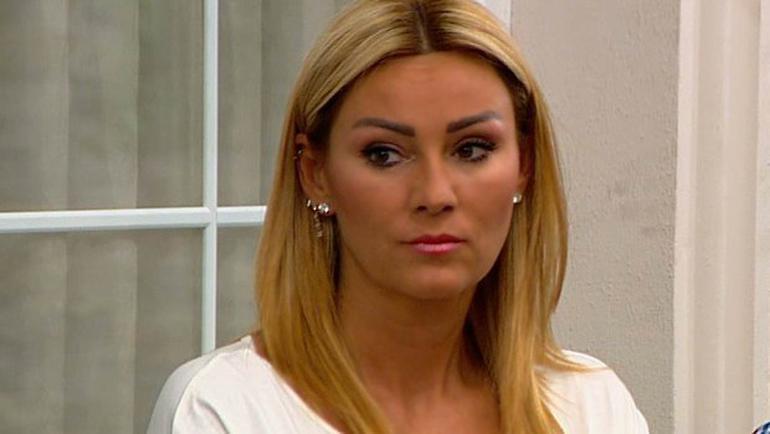 Oyuncu Pınar Altuğ'a türban yorumu nedeniyle ölüm tehdidi