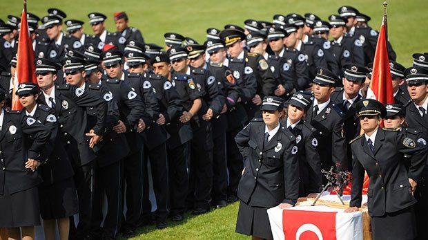 Kadın öğrenciyi rahmi yok diye polis akademisinden attılar: