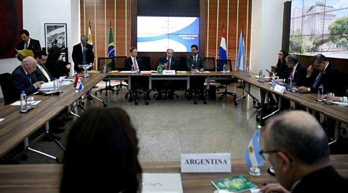 Venezuela'nın Güney Amerika Ortak Pazarı üyeliği askıya alındı