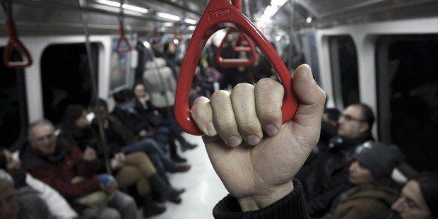 İstanbul'da metro seferleri durdu