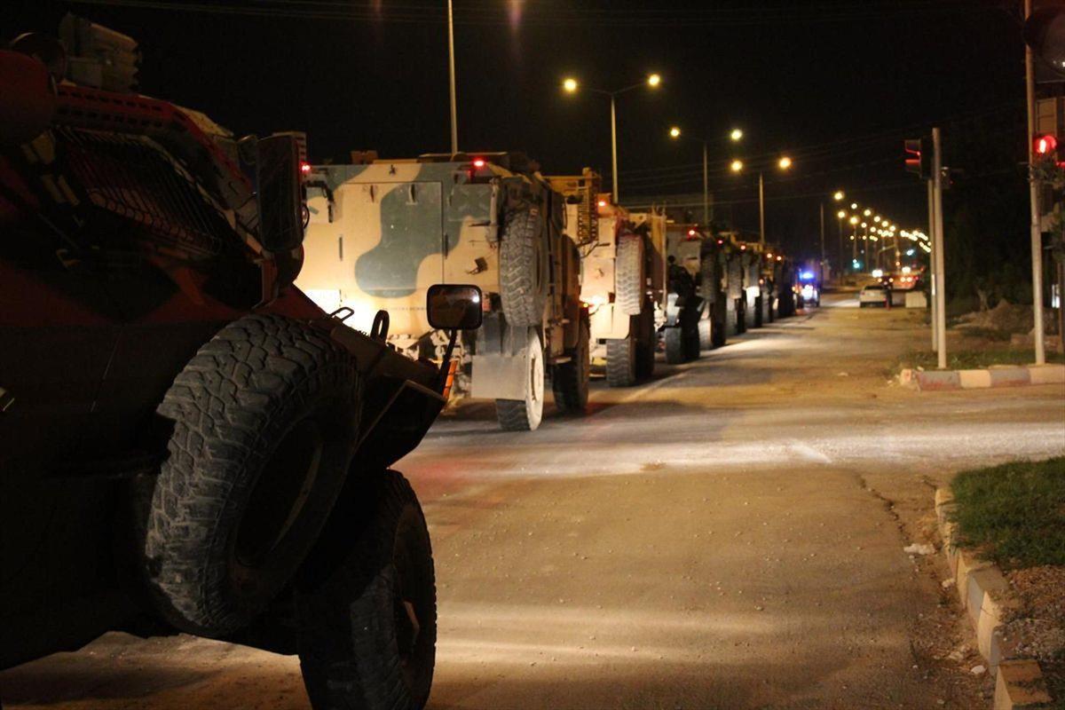 Reyhanlı'ya askeri araç sevkiyatı
