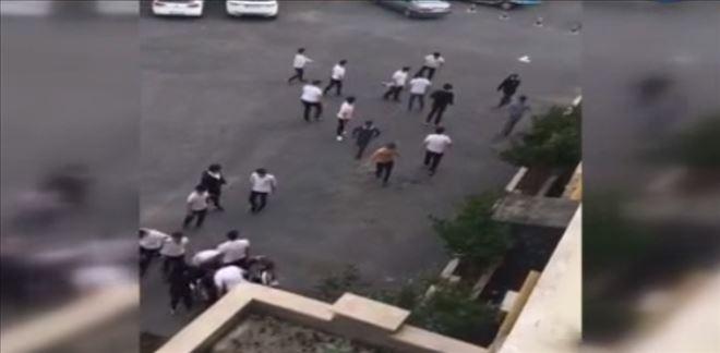 Lisede 'laf atma' kavgası: Öğrencilerle işçiler birbirine girdi