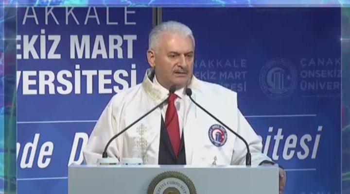 Erdoğan duymasın: Diploması olmayan bir adamın etrafında profesör olmuş adamlar fırıl fırıl dönüyor