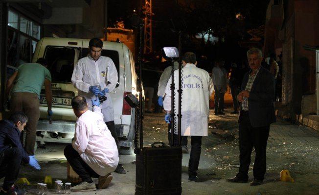 AKP il yöneticisinin aracına bombalı saldırı
