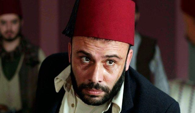 TRT İzmir Marşı'na küfür eden oyuncuyu ödüllendirmeye devam ediyor