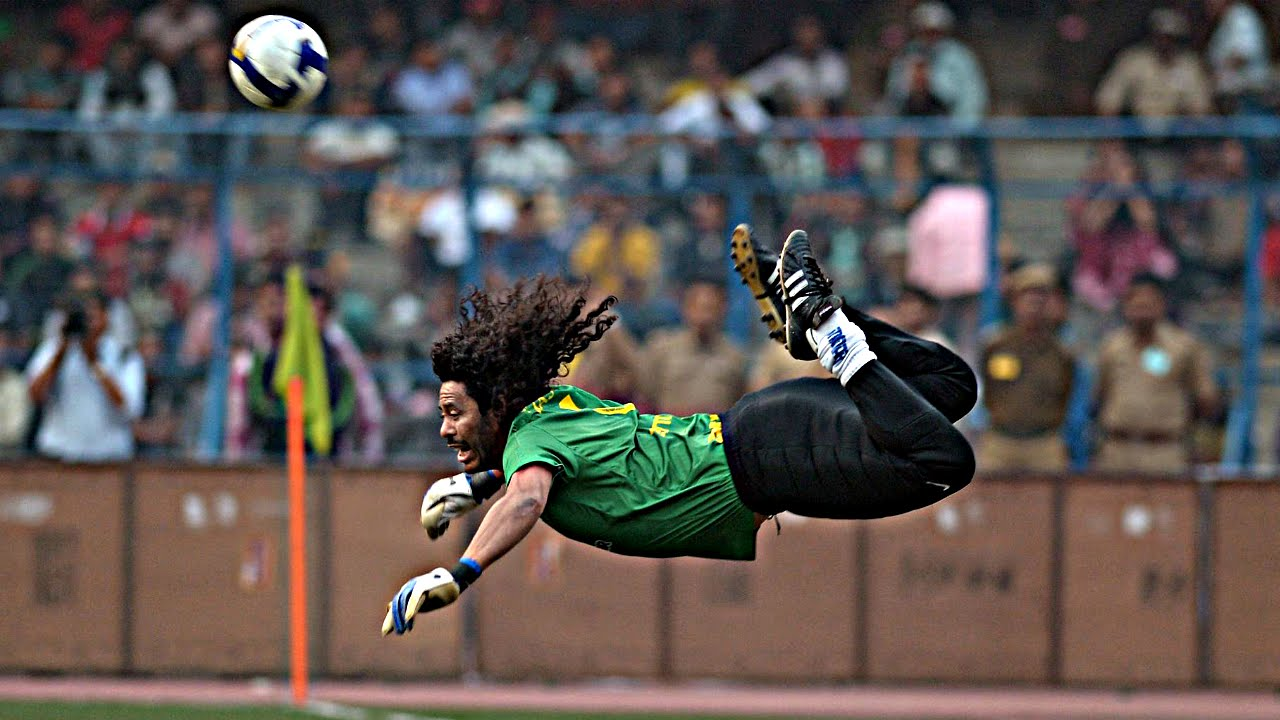 FARC, dünyaca ünlü futbolcu Higuita'ya adaylık teklifi götürdü