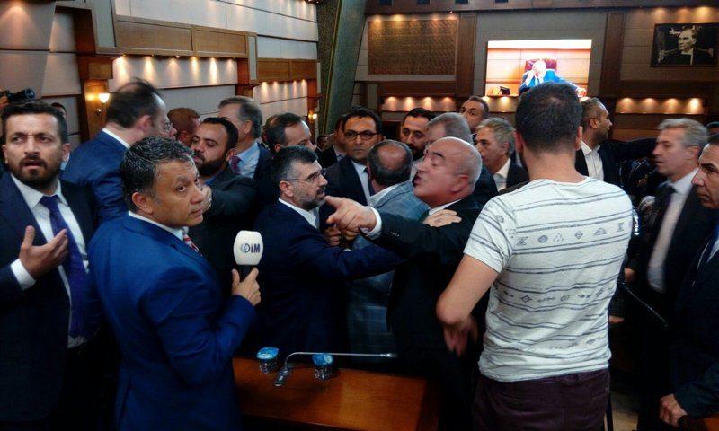 İBB Başkanlığı seçiminde yer kavgası