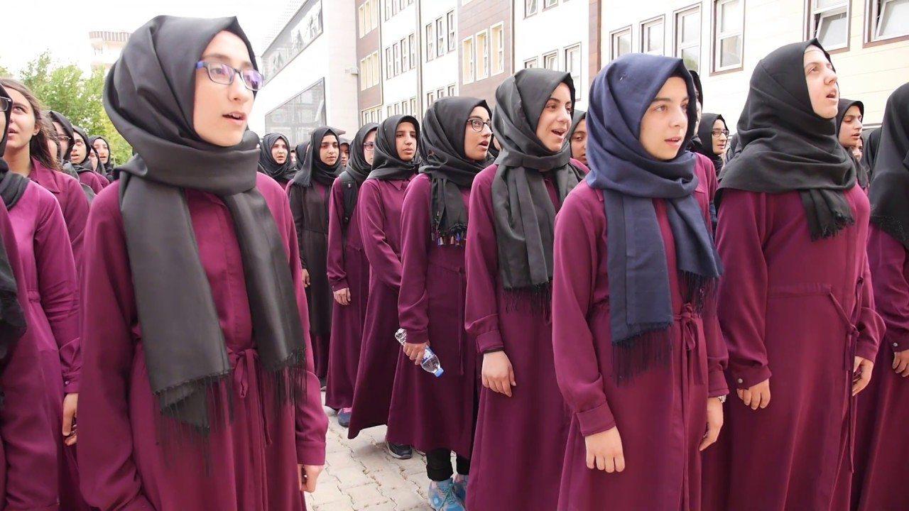 MEB'in 'nitelikli' okul tuzağı: İmam hatipten başka seçenek yok!