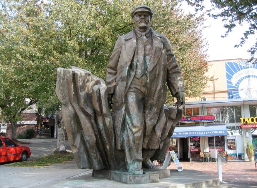 Lenin ezilenlerin hakları için savaştı