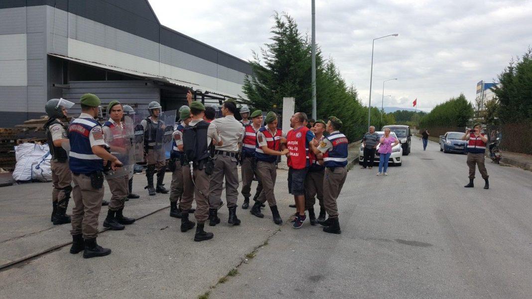 Grevdeki Maccaferri işçilerine yine saldırı hazırlığı: Birleşik Metal-İş'ten çağrı var!