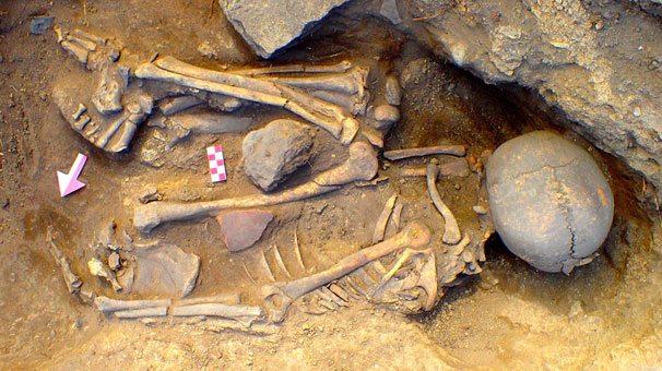 İnönü'de 7 bin 500 yıllık mezar bulundu