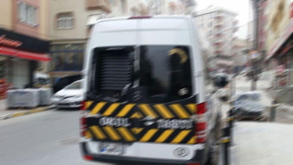 İstanbul'da okul servisindeki göçmenler gözaltına alındı