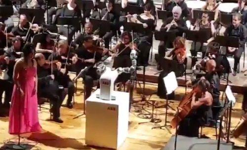VİDEO | 'Yapay zeka' orkestra şefi oldu: İşte o görüntüler...