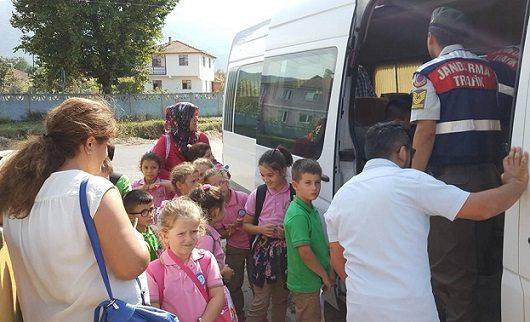 17 koltuklu servisten 32 öğrenci çıktı!