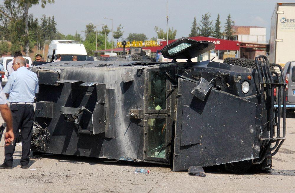 Zırhlı polis aracı takla attı: Ölü ve yaralılar var