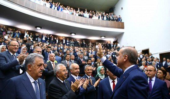 AKP eski vekilleri'küstürmüyor':'Bakan yardımcılığı' adı altında 15 bin TL maaş...
