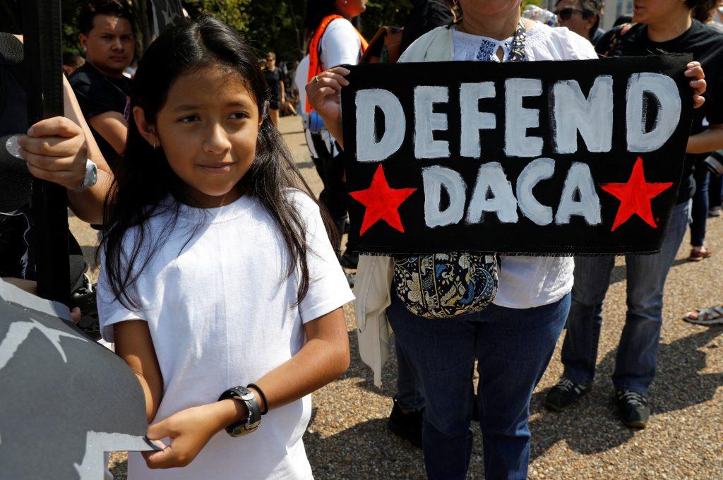 Trump göçmen çocukları koruyan DACA programını kaldırıyor
