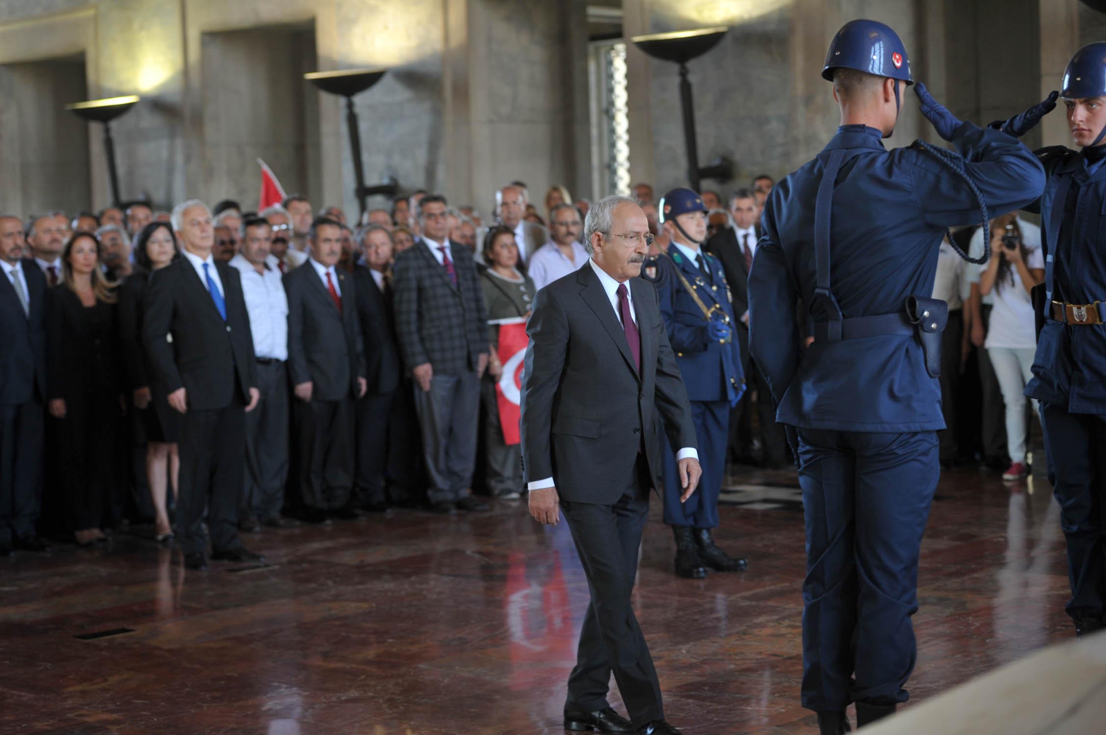 CHP'den Anıtkabir'e ziyaret