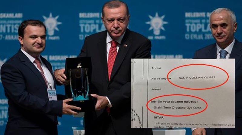 Erdoğan 'FETÖ' sanığına ödül verdi