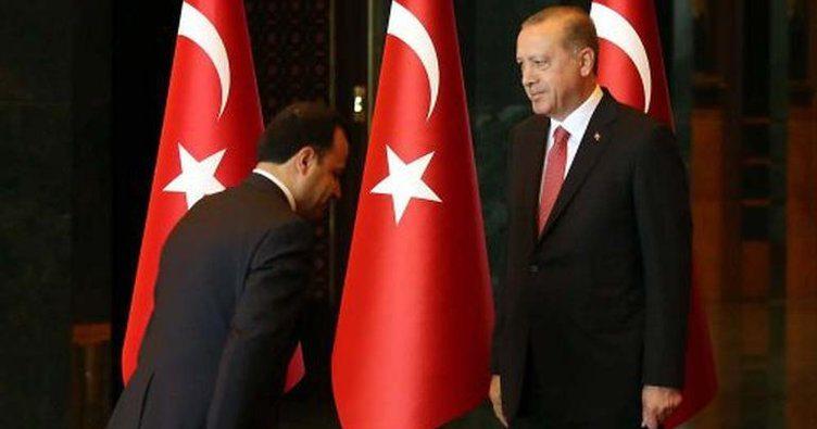 AYM Başkanı'ndan Erdoğan önünde eğildiği fotoğrafa açıklama