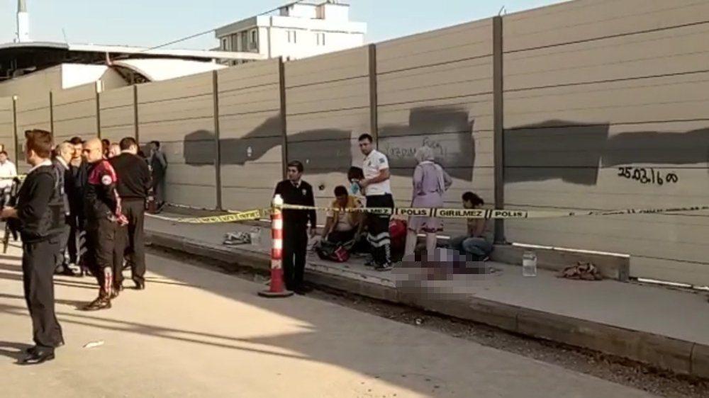 İstanbul'da öğrencilere silahlı saldırı: Ölü ve yaralılar var!