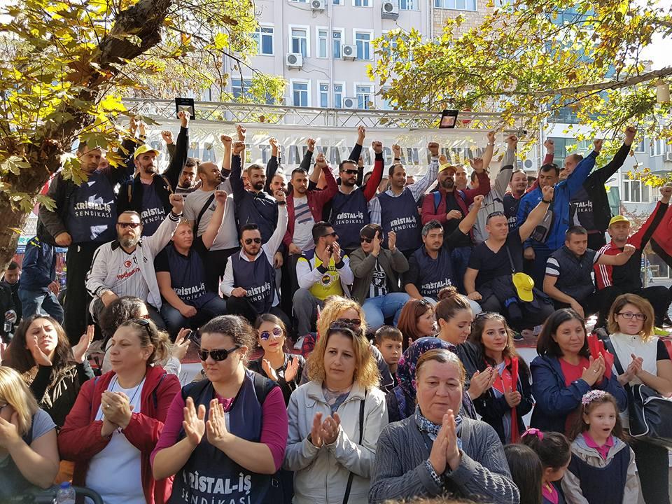 Direnen cam işçisi kazandı: Kazanılan bu zafer önce bizim, sonra tüm işçi sınıfının zaferidir!