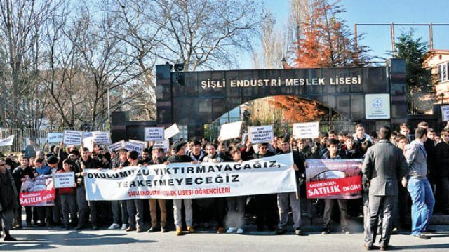 Sosyalist Liseliler'den Şişli EML yağmasına karşı açıklama: Yıkılması gereken sömürü düzeninizdir!